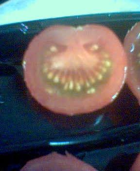 怖いトマト