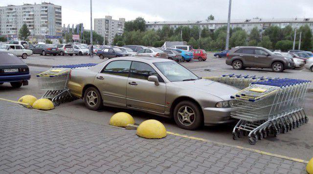 不法駐車は許さない
