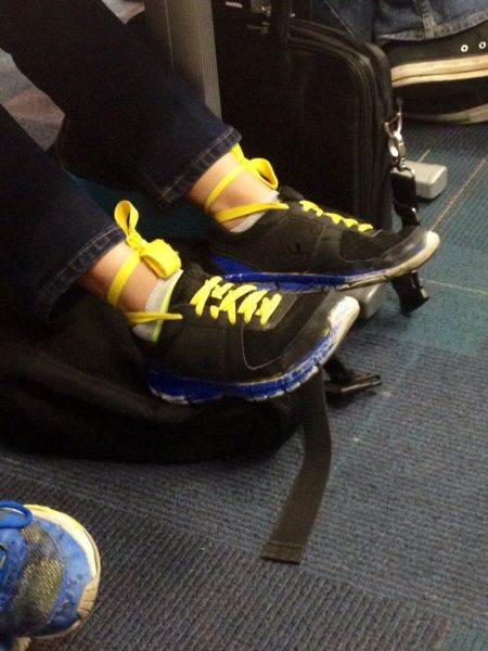 斬新な靴紐の結び方