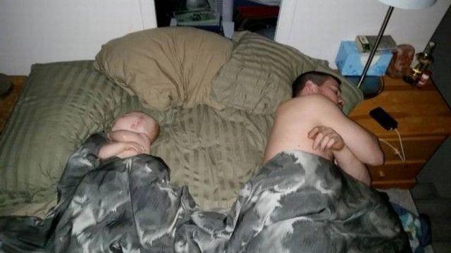 親子の寝姿