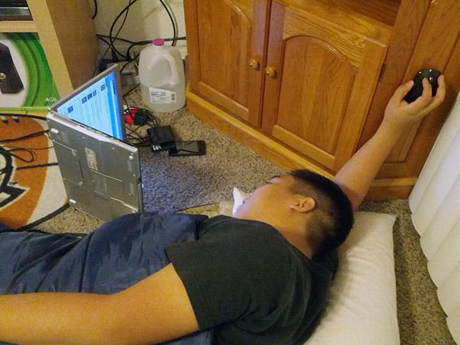 横になった時のマウスの使い方